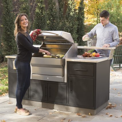 Memphis Outdoor Kitchen With Pro Built In